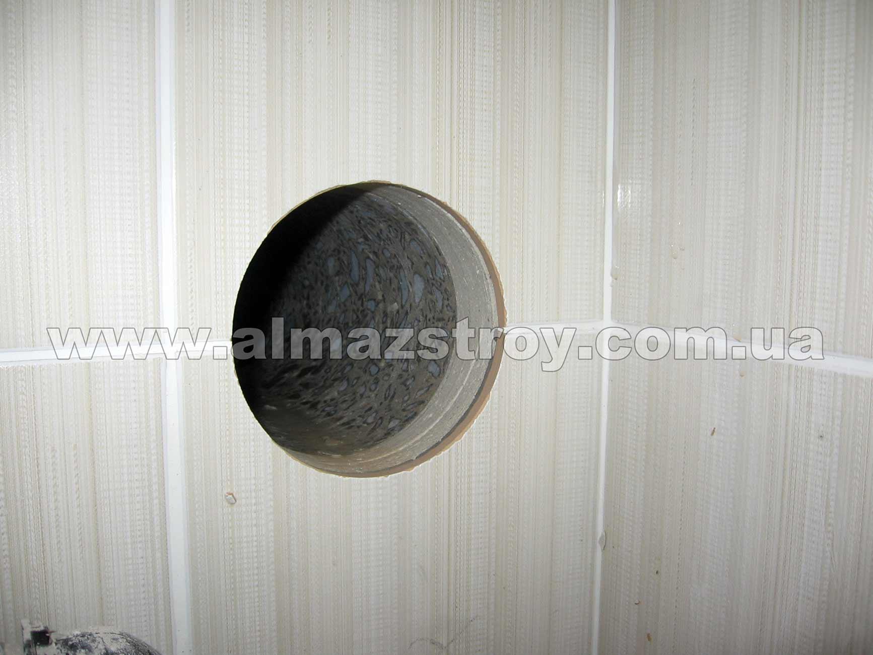 сверление отверстия в бетоне